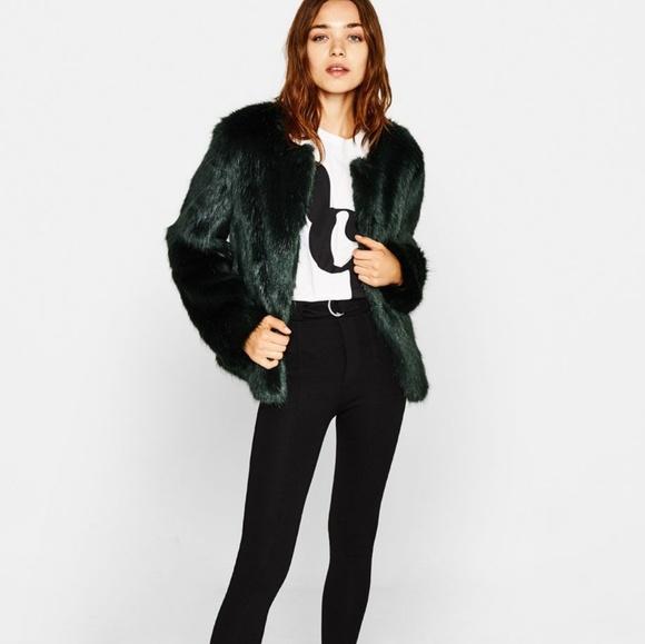 65e3687fe69 Cute cozy faux fur jacket in dark green 💚